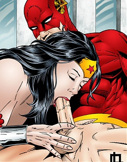 Wonder Woman sucking Flash`shard dick!