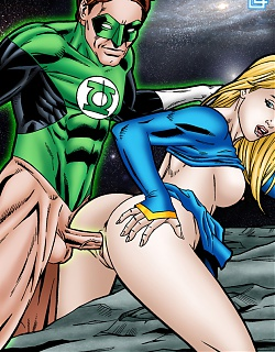 Super Girl puts out for Green Lantern�s fleshy pole!
